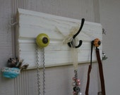 Short TG Jewelry Display with Ring Hooks