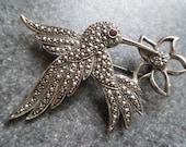 vintage AVON Hummingbird BROOCH - Marcasite - Amethest - Pin