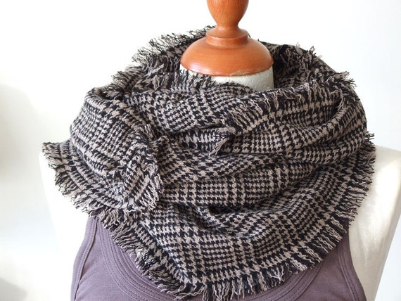 Unisex infinity fringed scarf loop circle black beige houndstooth wool blend wrinkled, Father's Day gift, fall winter, the last scarf