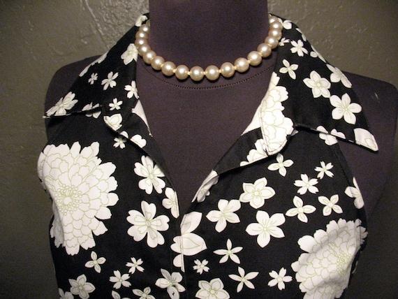 Shirt Dress, A Line Skirt, Black with White Flowers, Green Trim, Womens Size 7