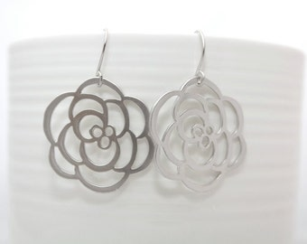 184- Laugh - Silver Rose dangle earrings