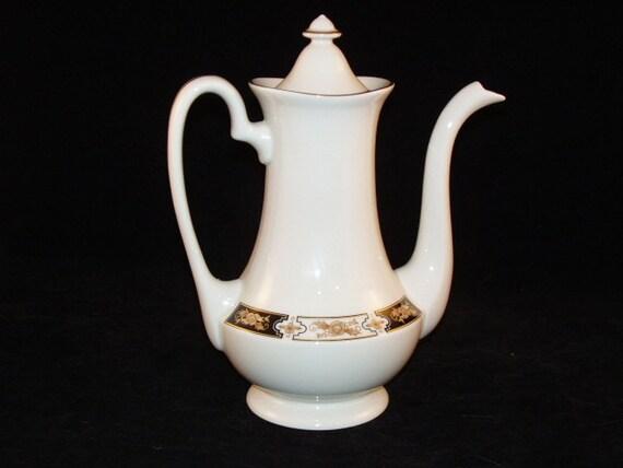 Pickard Coffee Pot 1980 Elegant Regal 24K Gold Decorated USA