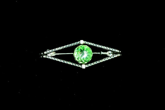 Interesting Vintage Faceted Pale Green Glass Dome Art Deco Brooch 1940s