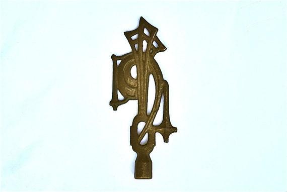 Large Distinctive Art Deco/Art Nouveau Iron Lamp Finial