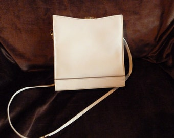 Vintage avory leather handbag