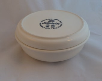 Arabia Finland casserolle bowl with lid