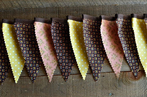 Earthy - Vintage Bunting Banner with 12 Flags