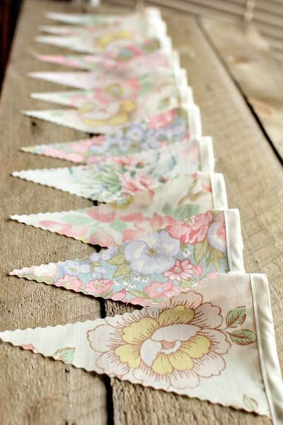 Old-Fashioned Bouquet  - Vintage Bunting Banner with 12 Flags