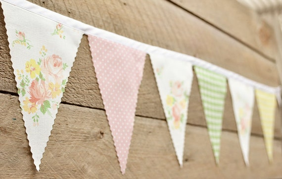 Fun - Vintage Bunting Banner with 12 Flags