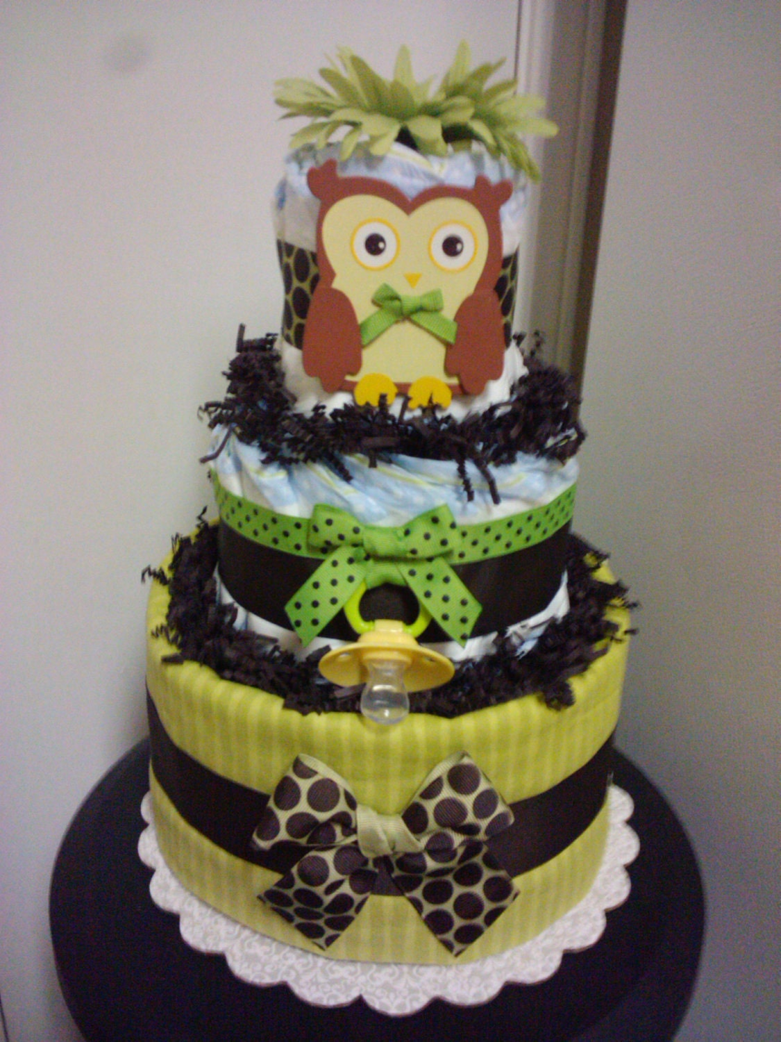 Owl 2 tier diaper cake forest theme baby shower for Baby shower decoration diaper cake