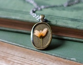 pressed flower necklace real resin peach wildflower botanical pendent spring summer fashion handmade jewelry brown