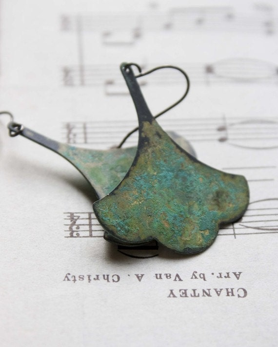 gingko earrings. Hand Aged Verdigris Patina sage green Leaf Earrings by studiobotanica emerald green