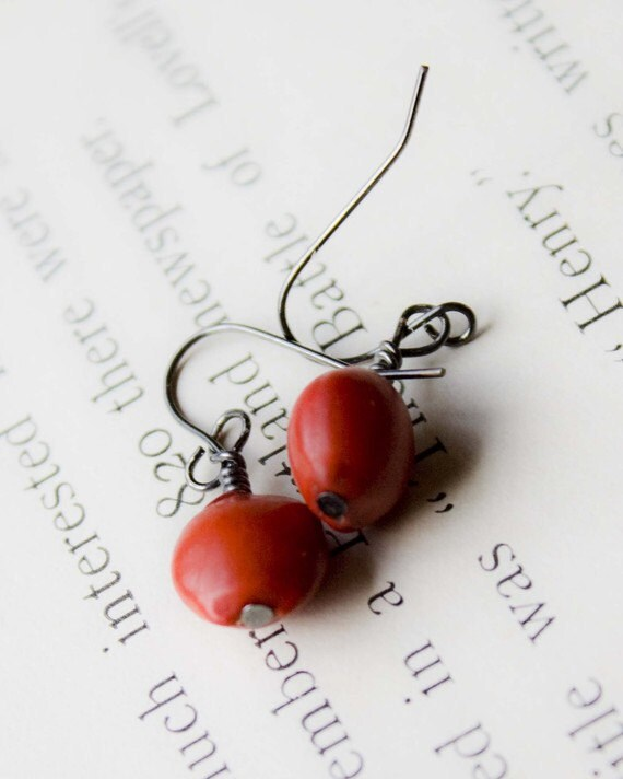 dangle earrings woodland red berry earrings for winter holiday christmas. festive lightweight red berries botanical earrings.