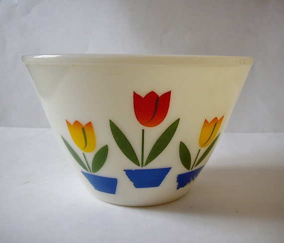 Vintage Bowl Fire King Tulip Bowl Vintage Mixing Bowl 4 QT Ovenware 1940s