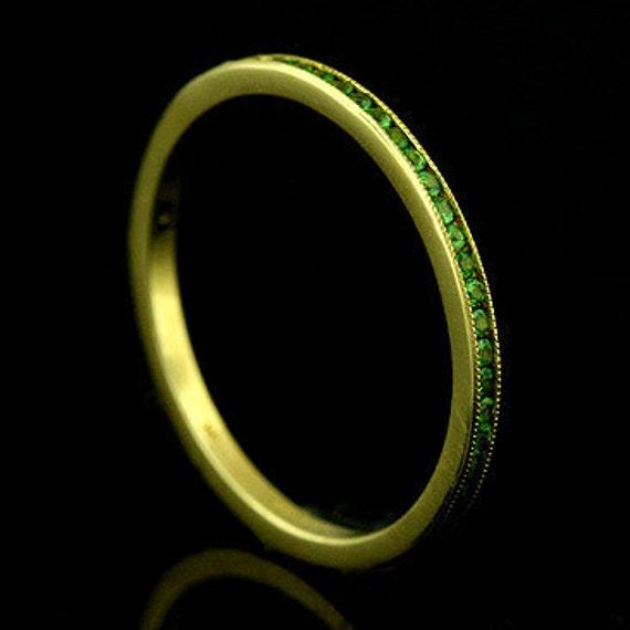 18K Yellow Gold Stackable Channel set green tsavorite garnets Band Ring 1.4mm Wide