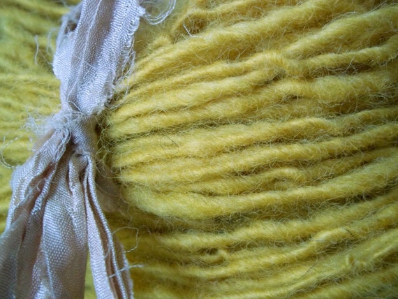 Romney wool handspun yarn - Safflower - 124 yds single ply worsted weight  - hand dyed with safflowers