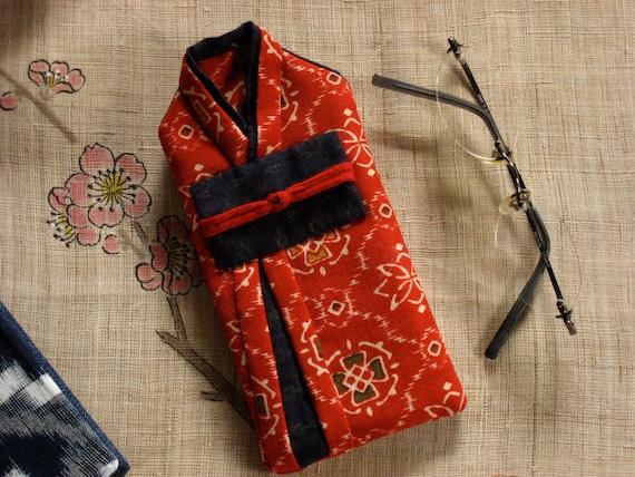 Mini gadget pouch, quilted case, eyeglass case, pencil case