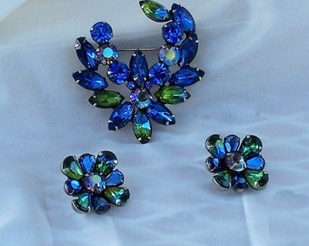 Gorgeous Vintage Kramer Set Brooch and Earrings Blues and Greens 1950's Retro