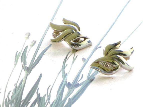 Vintage Earrings Monet Silver Ribbons Circa 1960
