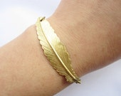 bracelet---golden feather pendant&alloy chain