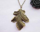 necklace---antique bronze big leaf pendant & alloy chain
