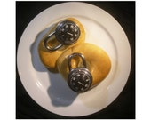 Combination locks with bagel