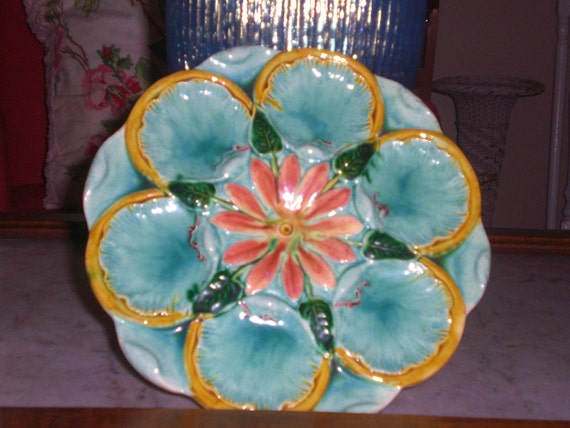 Vintage Majolica Oyster Plate ..Perfect for summer parties and display