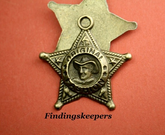 2 - 37 x 36 mm Bronze Sheriff   Badge Charm bz069-1