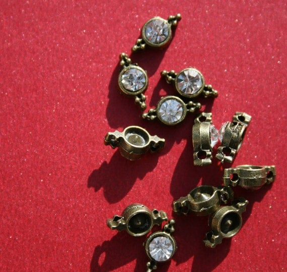 12 - Clear Jewel Bronze Connectors cn010