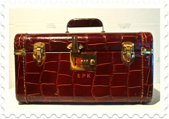 Reserved for Sherrie: Genuine Top Grain Leather Traincase // Make up case // Monogrammed // Corbin Sesamee Lock // Vintage