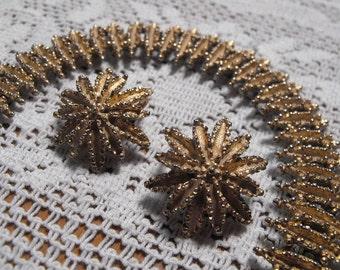 Vintage AVON 3 Piece Set Bracelet and Clip On Earrings