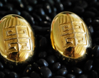 VINTAGE GIVENCHY clip EARRINGS.