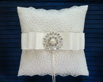 Wedding Ring Bearer Pillow / Vintage Inspired Ring Pillow / Ring Bearer Pillow/ Weddings/ White Ring Pillow
