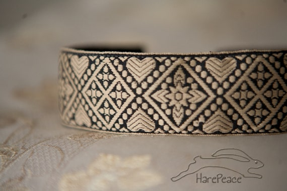 No Slip Headband Black and Tan Hearts and Diamonds Jacquard Wide 1.5""