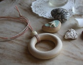 Maple Nursing Necklace - Coral