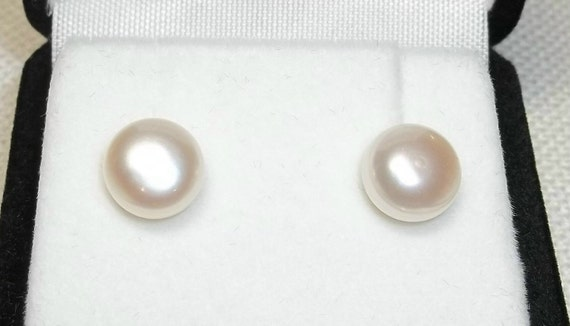 Signature Series - button pearl earrings - 14 karat