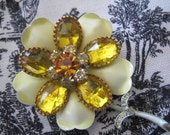 Vintage Lucite Yellow Sunflower Brooch Pin