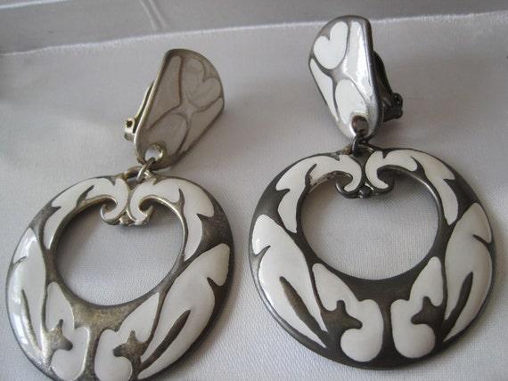 Art Deco  Enamel Dangle Drop Earrings