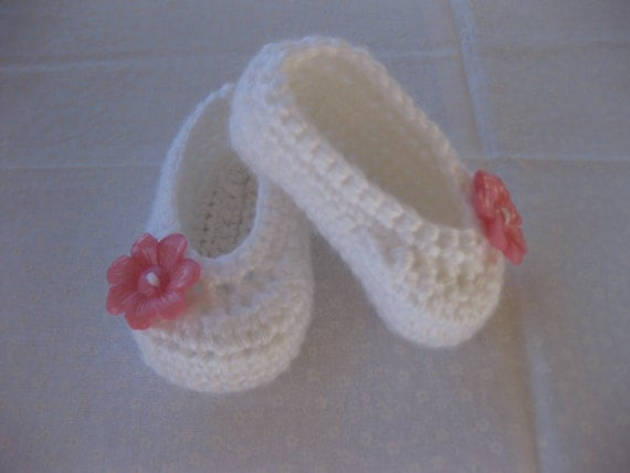 Spring. Baby Girl Shoes for Baby Blessing White & Pink Crochet - YOU choose size newborn - 12 months - photo prop - crochet