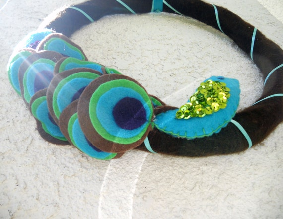 Peacock felt yarn wreath, wall hanging, decoration