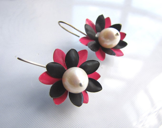 Pink and Black Earrings with Pearls from Recycled Soda Cans