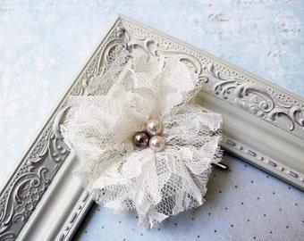 Vintage Ivory Lace hair clip, hair accessories, vintage, wedding, bridal, prom, vintage bridal hairpiece