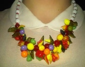 1950s rockabilly vintage glass bead fruit salad lucite necklace jewelry