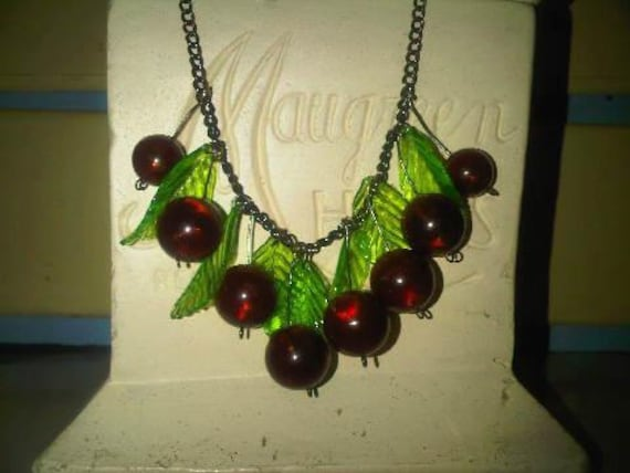 1940s repro vintage Chezch Glass cherry necklace with lucite leaves carmen Miranda fruit salad rockabilly