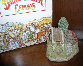David Winter Cameo   GREENWOOD WAGON   David Winter Collectibles purchase all 4 pieces in this shop for only 24 dollars