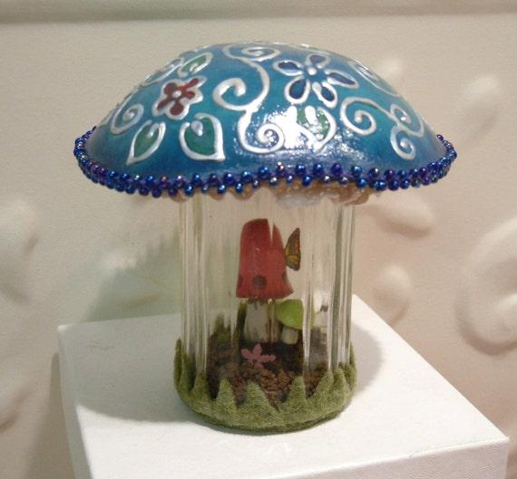 Mushroom Terrarium -  Embossed look hand painted