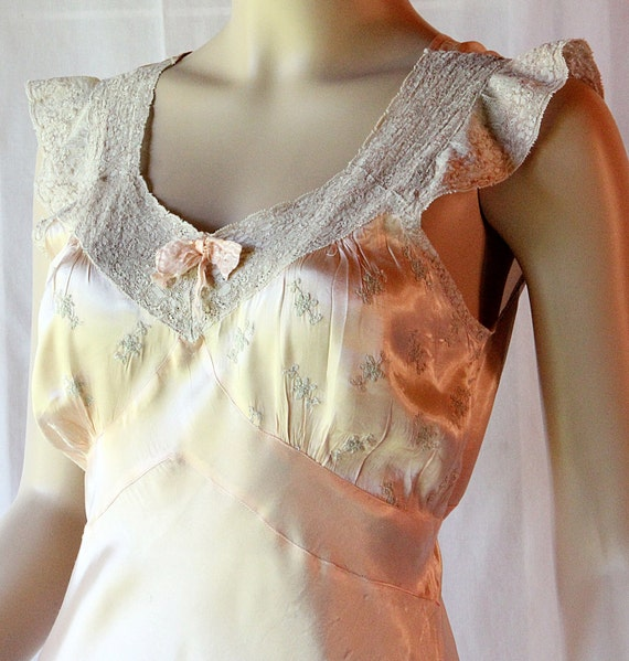 40s Satin Gown / Slip Dress / Asymmetric Cut / Peach and Ecru Lace / Old Hollywood