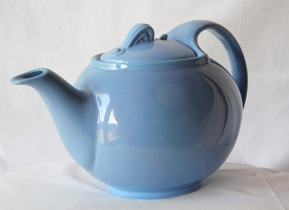 Art Deco Teapot / Hall China / Cadet Periwinkle Blue / Hinged Lid / Garden Party / Shabby Chic FUN