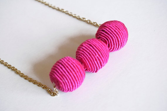 Fluo pink and gold - geometric necklace - abstract - Strawberry fields