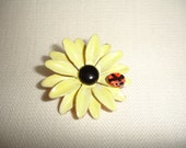 1960s Black Eyed Susan Lady Bug Brooch Collectables Country Chic....by Mississippi Delta Treasures